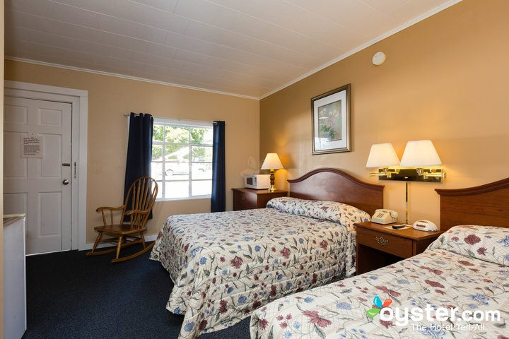standard-2-queen-beds--v14598773-720